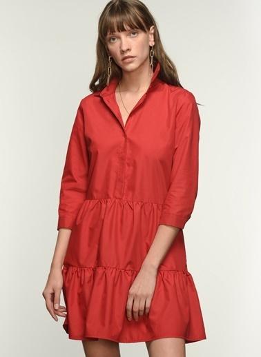 NGSTYLE Kadın Düğme Detaylı Volanlı Elbise NGKSS21EL0019 Kırmızı